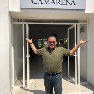 Javier Camarena donó obras