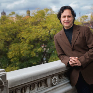 "Alonso Escalante: ""Acercar, desmitificar, desacralizar la ópera"""