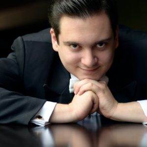 Ofrecerá Iván López Reynoso recital desde casa