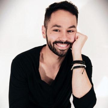 Gianluca Moro: entre el canto y la escritura