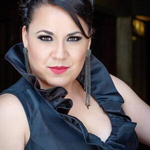 """Lorena Flores: """"Creo que mi voz se orienta hacia Adriana Lecouvreur"""""""